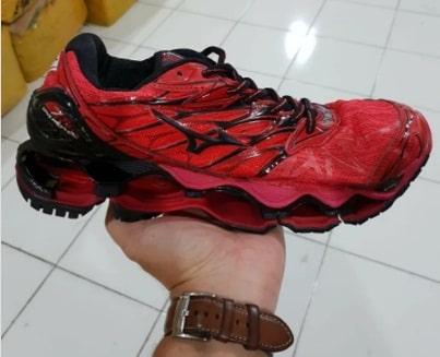 Harga Sepatu Volly Mizuno Original dan Kw Terbaru 1
